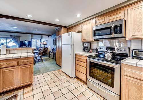 88 Ridge Point Kitchen - Beaver Creek