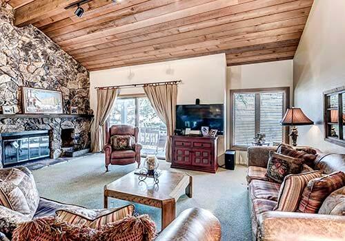 88 Ridge Point Living Room - Beaver Creek