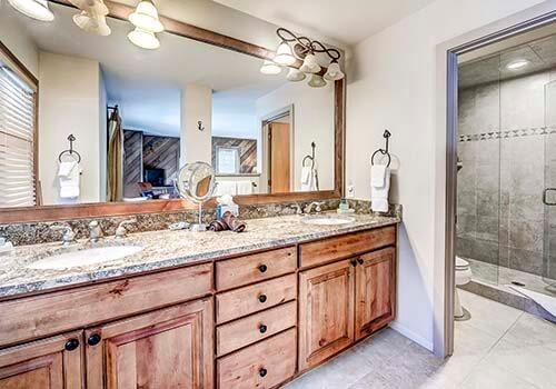 88 Ridge Point Master Bathroom - Beaver Creek